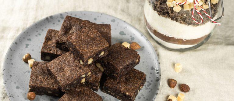 Anna lahjaksi herkkuhetki – brownieainekset purkissa on ihana joululahjaidea!