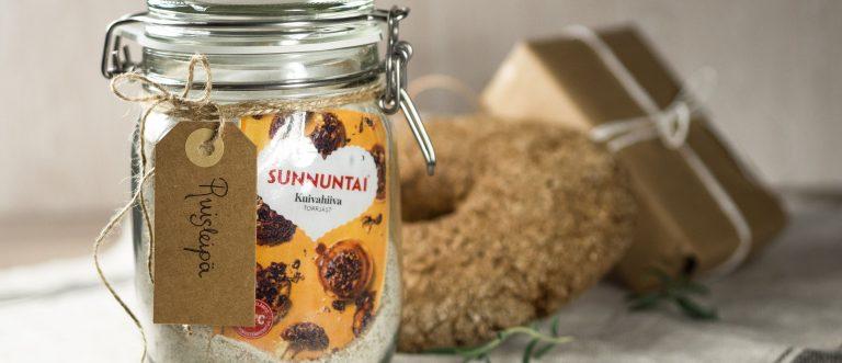 Ruisleipäainekset purkissa on maistuva lahjaidea. Tämän ruisleivän resepti on ekstrahelppo!