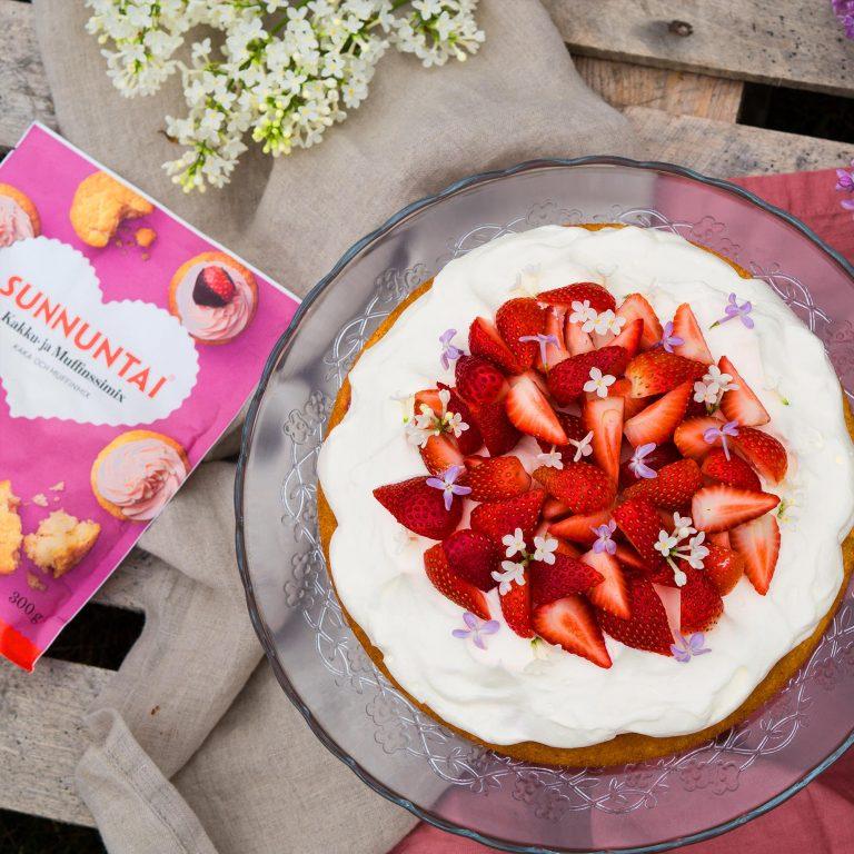 Helpoista helpoin mansikkakakku ja muut reseptivinkit juhliin kuin juhliin