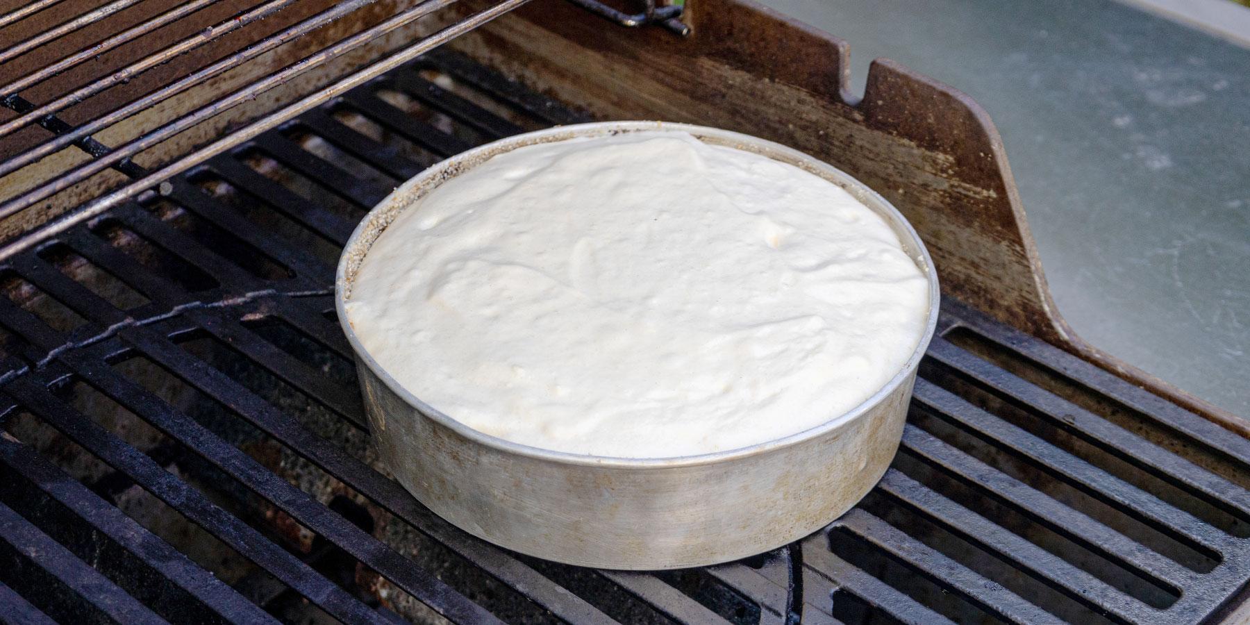 Kakkupohjan valmistaminen grillissä